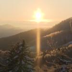 神々しい自然現象「サンピラー」北海道 「ダイヤモンドダスト」岐阜・高山市でも